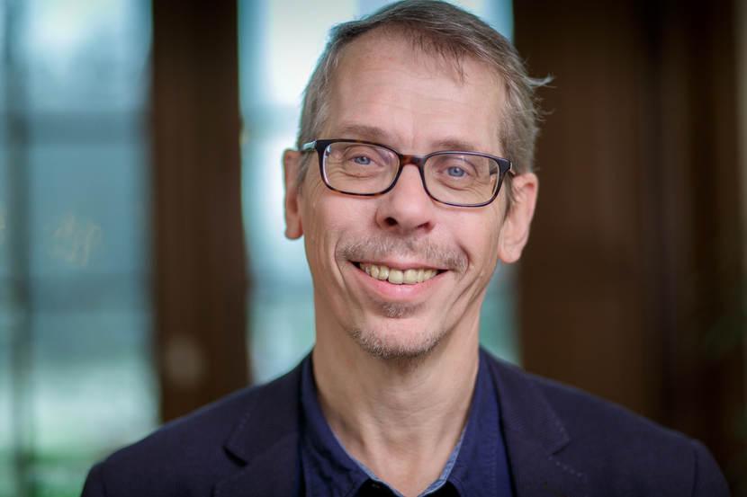 dr. L.J.A. (Len) Lipman