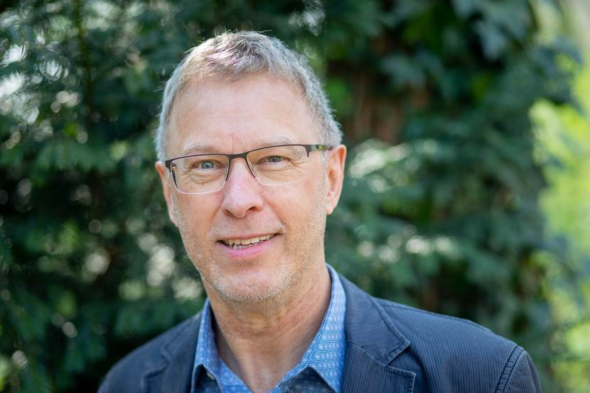 dr. J.B.F. (Jan) van der Valk